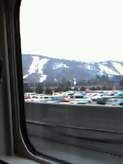 遠くに見えるスキー場